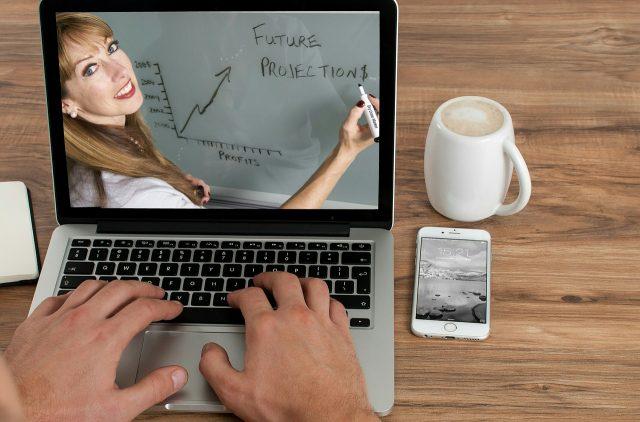 Apprendre les cours en ligne facilement